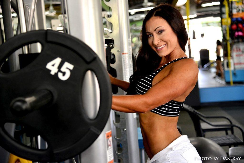 Online bikini training program should include the Smith Machine at the gym